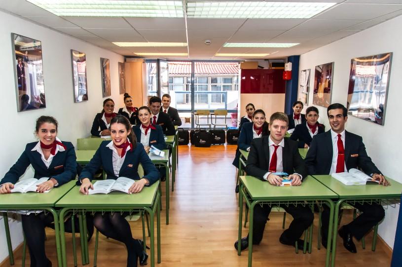 Comienzan Las Clases En Nuestras Escuelas Nuestros Chicos Os Dan La Bienvenida Al Curso De Tcp En una de las ciudades más bellas de europa. air hostess